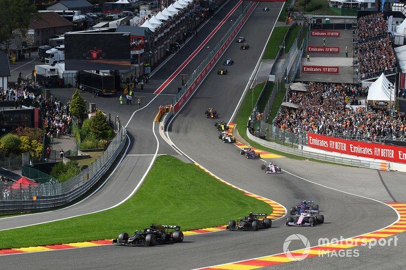 Romain Grosjean, Haas F1 Team VF-19, Kevin Magnussen, Haas F1 Team VF-19, Sergio Perez, Racing Point RP19, e Pierre Gasly, Toro Rosso STR14