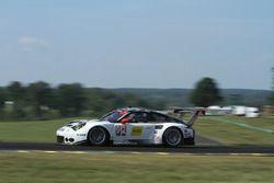 #912 Porsche Team North America, Porsche 911 RSR: Earl Bamber, Frédéric Makowiecki