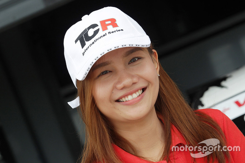 Grid girl TCR