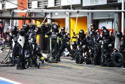 Пит-стоп команды Sahara Force India F1 Team