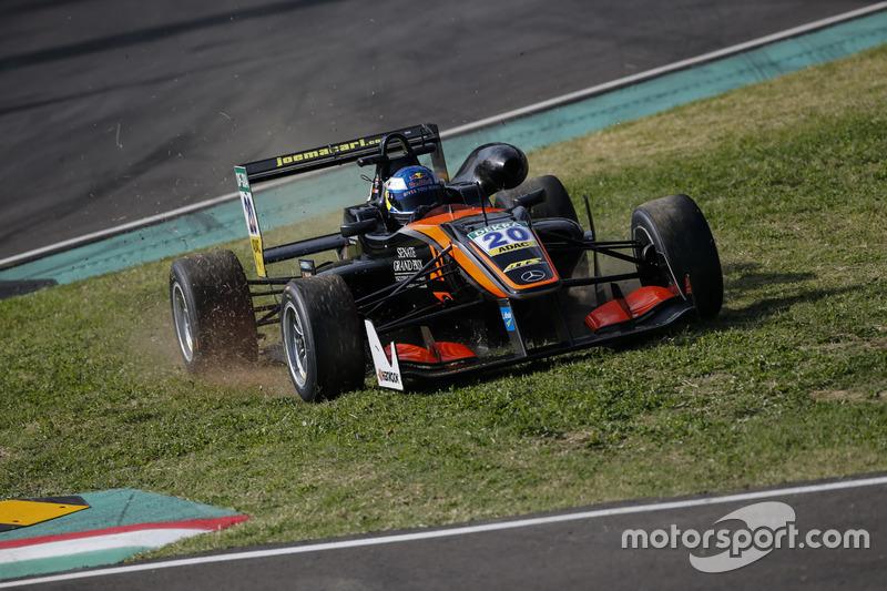 Ausritt: Harrison Newey, Van Amersfoort Racing Dallara F312, Mercedes-Benz