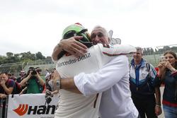 Europameister Lance Stroll, Prema Powerteam Dallara F312, Mercedes-Benz, mit seinem Vater