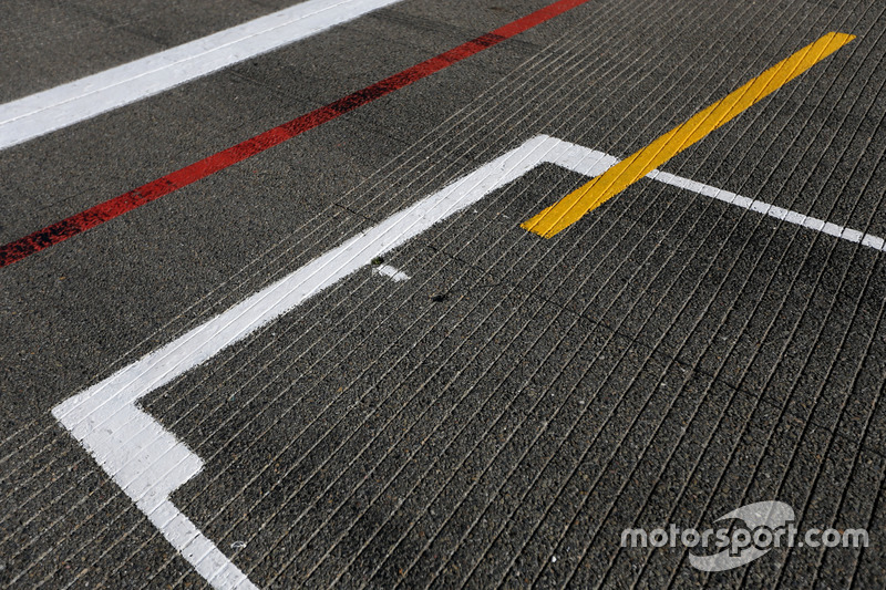 Pole position, track atmosphere
