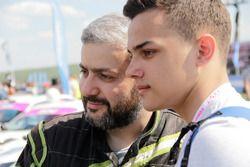 Гукасян Вильям с фанатом