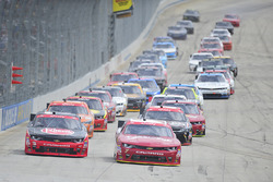 Main race start: Austin Dillon, Richard Childress Racing Chevrolet, Justin Allgaier, JR Motorsports