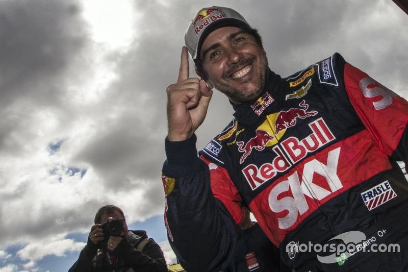 Na Stock Car, corridas emocionantes e definidas no fim. Cacá Bueno bateu Marcos Gomes em uma bela disputa para vencer a corrida 1 em Cascavel.