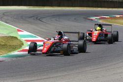 Juan Manuel Correa, Prema Powerteam precede il compagno di squadra Mick Schumacher, Prema Powerteam