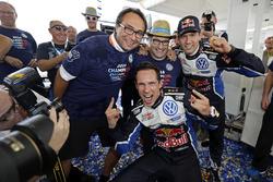 Sébastien Ogier, Julien Ingrassia, Volkswagen Polo WRC, Volkswagen Motorsport with Sven Smeets, Volkswagen Motorsport Director