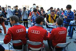 رقم 8 فريق أودي سبورت جوست آر18 إي-ترون كواترو: لوكاس دي غراسي، لويك دوفال، أوليفر جارفيس