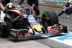 Carlos Sainz Jr., Scuderia Toro Rosso STR11 : aileron avant