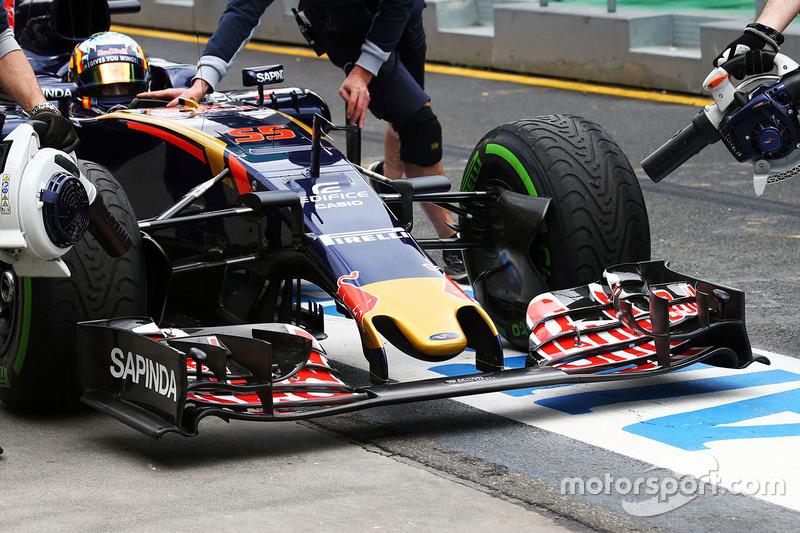 Carlos Sainz Jr., Scuderia Toro Rosso STR11 alerón delantero