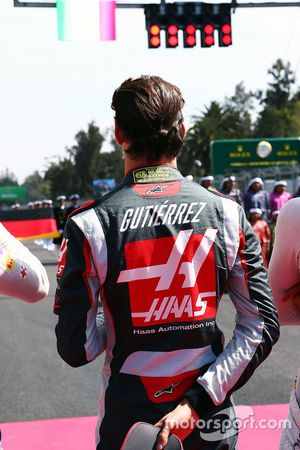 Esteban Gutierrez, Haas F1 Team as the grid observes the national anthem