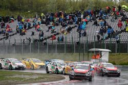 Start of the race, José María López, Citroën World Touring Car Team, Citroën C-Elysée WTCC leads