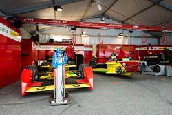 Le garage ABT Schaeffler Audi Sport
