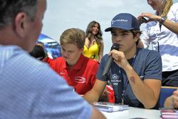 Sesión de autógrafos, Pedro Piquet, Van Amersfoort Racing Dallara F312 – Mercedes-Benz