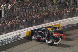 Crash de Kurt Busch, Stewart-Haas Racing Chevrolet