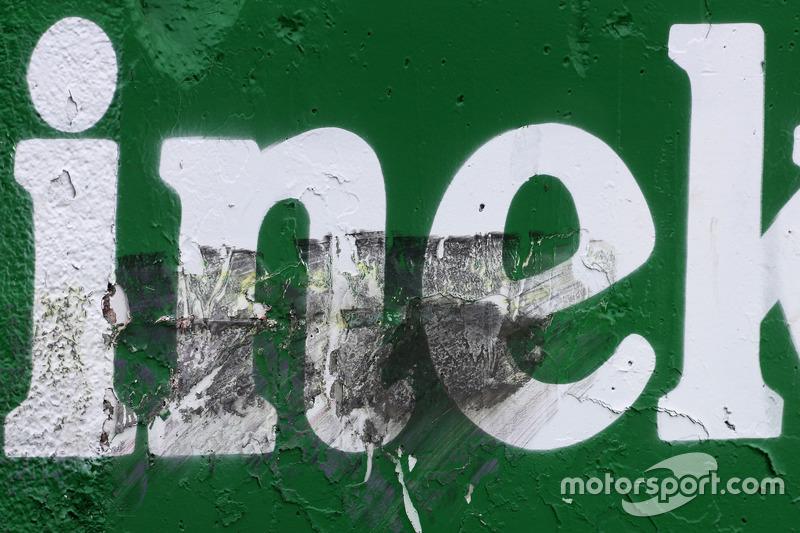 Carlos Sainz Jr., Scuderia Toro Rosso fährt an die Wand
