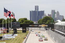 GTD inicio: #48 Paul Miller Racing Lamborghini Huracan: Bryan Sellers, Madison Snow líder