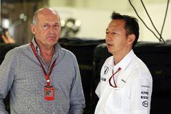 Ron Dennis, McLaren, und Yusuke Hasegawa, Honda