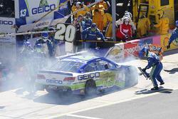 Casey Mears, Germain Racing Chevrolet, na crash