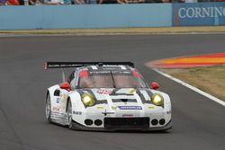 #912 Porsche Team North America Porsche 911 RSR: Earl Bamber, Fr_©d_©ric Makowiecki