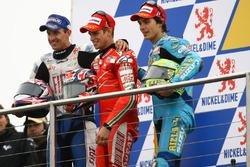 Podio: Colin Edwards, Yamaha; Casey Stoner, Ducati; Chris Vermeulen, Suzuki