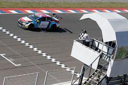 Tom Chilton, Sébastien Loeb Racing, Citroën C-Elysée WTCC se lleva la victoria