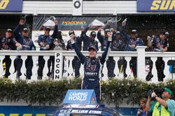 Race winner William Byron, Kyle Busch Motorsports Toyota
