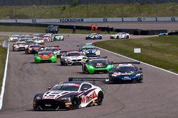 #17 TF Sport Aston Martin Vantage GT3: Derek Johnston, Jonny Adam leads from the start