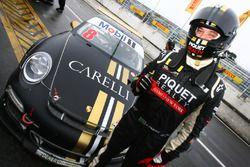 Cristiano Piquet é o pole position em Curitiba