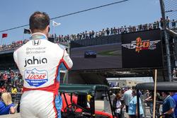 Oriol Servia, Schmidt Peterson Motorsports Honda watches Sam Schmidt piloting the ARROW Chevrolet Co