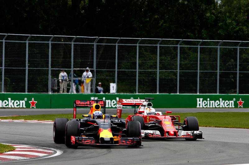 Даніель Ріккардо, Red Bull Racing RB12випереджає Себастьяна Феттеля, Ferrari SF16-H