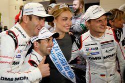 Pole position for #2 Porsche Team Porsche 919 Hybrid: Romain Dumas, Neel Jani, Marc Lieb