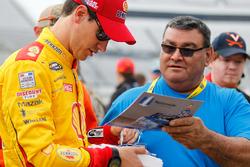 Joey Logano, Team Penske Ford signing autographs