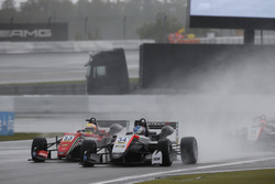 Jake Hughes, Hitech Grand Prix, Dallara F317 - Mercedes-Benz, Callum Ilott, Prema Powerteam, Dallara F317 - Mercedes-Benz