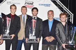 USF2000-kampioen Oliver Askew, Indy Lights-kampioen Kyle Kaiser, Pro Mazda-kampioen Victor Franzoni, John Doonan