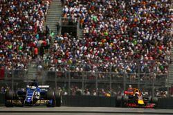 Marcus Ericsson, Sauber C36, Max Verstappen, Red Bull Racing RB13