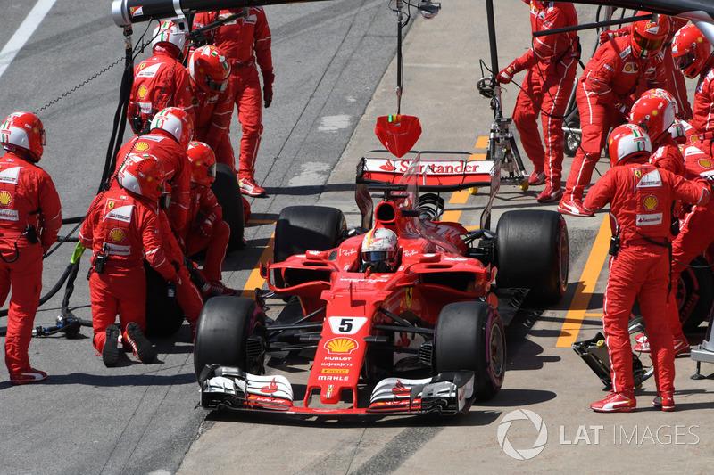 Vettel mudou sua estratégia na tentativa de ganhar posições no fim e se recuperar na prova.