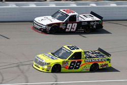 Matt Crafton, ThorSport Racing Toyota, Darrell Wallace Jr., MDM Motorsports Chevrolet