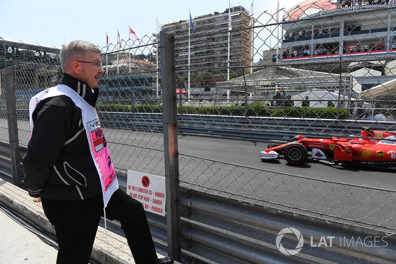 روس براون، المدير العام الرياضي للفورمولا واحد وكيمي رايكونن، فيراري
