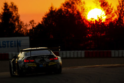 №100 Walkenhorst Motorsport, BMW M6 GT3: Кристиан Кронье, Микеле ди Мартино, Матиас Хенкола, Нико Ме