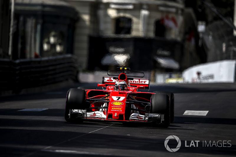 Kimi Raikkonen dokuz yıl sonra ilk kez pole pozisyonu kazandı