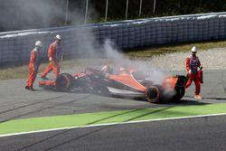 Fernando Alonso, McLaren MCL32 valt stil in VT1