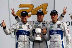 Podium GTLM: #66 Ford Performance Chip Ganassi Racing Ford GT: Joey Hand, Dirk Müller, Sébastien Bourdais