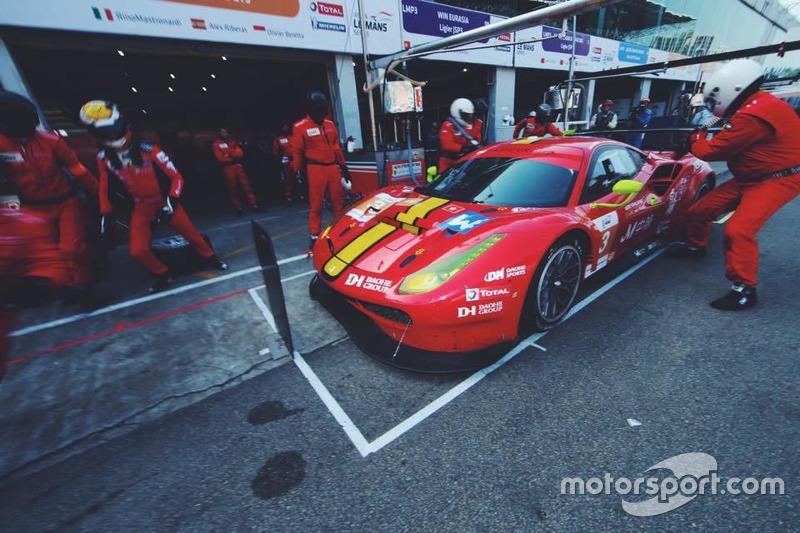 Alex Riberas con DH Racing en Zuhai