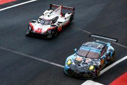 #77 Dempsey Proton Competition Porsche 911 RSR: Christian Ried, Matteo Cairoli, Marvin Dienst, #1 Po