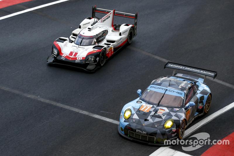 #77 Dempsey Proton Competition Porsche 911 RSR: Крістіан Ріід, Марвін Дінст, Маттео Каіролі, #1 Pors