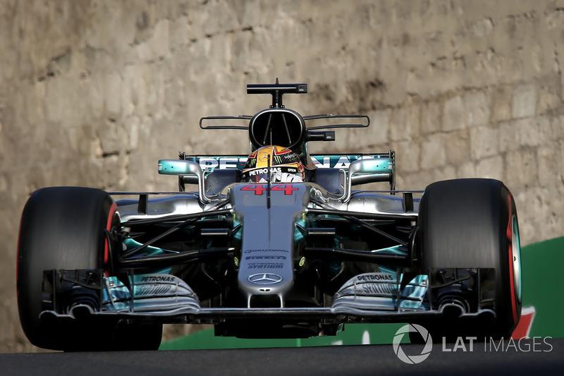 En 2016, la pole en Bakú fue ganada por Nico Rosberg, en 2017 por Lewis Hamilton. Al final, ambos se convirtieron en campeones del mundo en las temporadas respectivas.