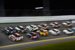 Ryan Blaney, Wood Brothers Racing Ford, Brendan Gaughan, Beard Motorsports, Beard Oil Distributing Chevrolet SS