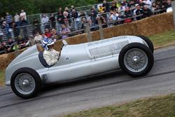 Роланд Аш, Mercedes W25